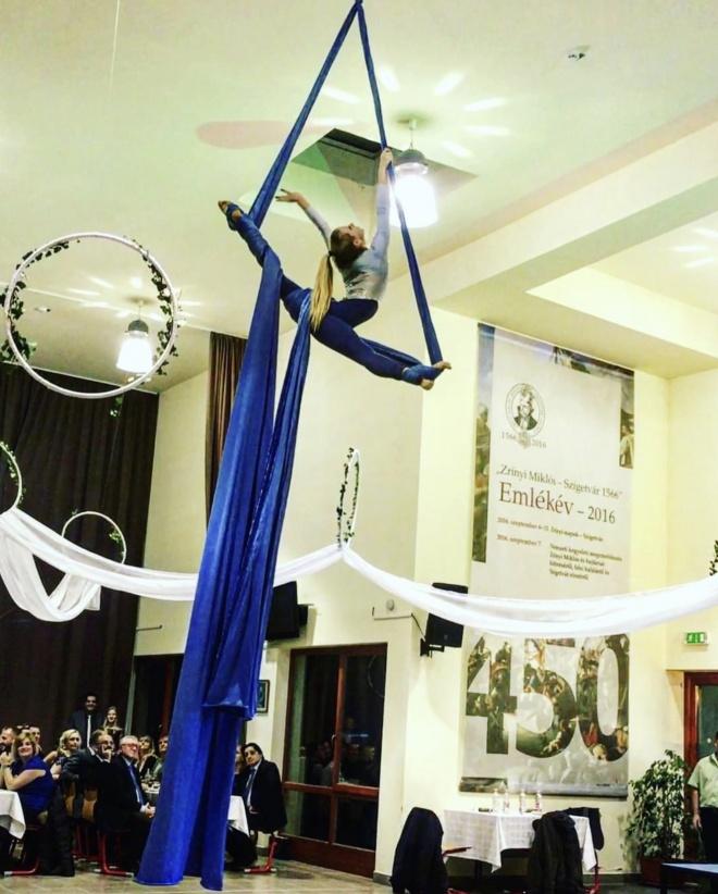 Aerial silk fellépés